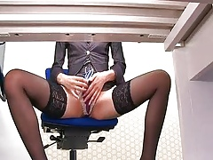 By means of an meeting outlying Maki Hojo toys their way pussy