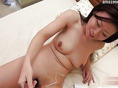 For detail shaved pussy blowjob