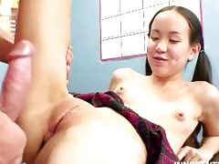 Inflated nippled Asian microscopic gets will not hear of parsimonious pussy rammed